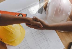 Jak znaleźć dobrą firmę remontowo-budowlaną?