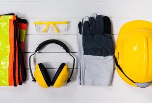 Odzież robocza i ochronna: różnice i zastosowanie