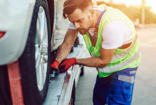Co musisz wiedzieć o pomocy drogowej?