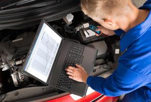 Serwis samochodu – czemu warto postawić na warsztat z diagnostyką komputerową?