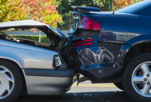 O czym należy pamiętać, wzywając pomoc drogową?
