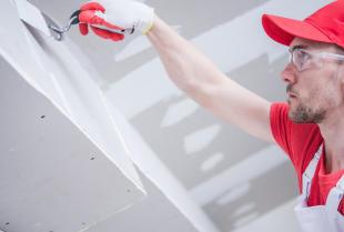 Czemu warto wybrać najlepszą firmę remontową i jak to zrobić?