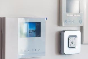 Czy warto w swoim domu zainstalować alarm?