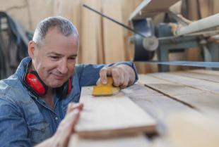 Podstawowe narzędzia do obróbki drewna, czyli niezbędnik stolarza
