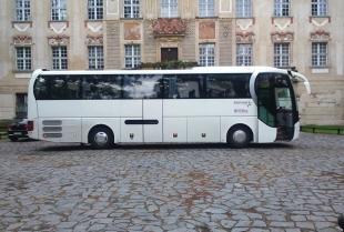 """Firma transportowa """"Staszek"""" – bezpieczne przewozy pasażerskie"""