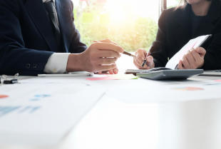 Czy małe firmy potrzebują pomocy księgowego?