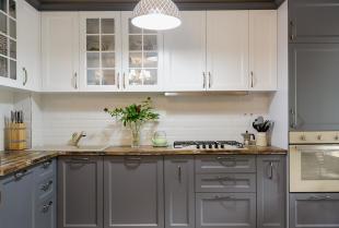 Jakie są zalety zakupu mebli kuchennych na wymiar?
