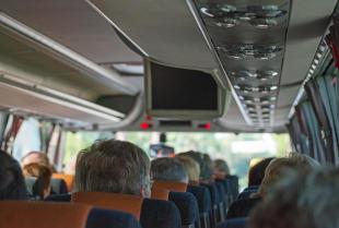 Chcesz wynająć bus – poznaj swoje prawa i obowiązki