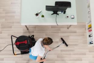 Bez maszyny ani rusz – nowoczesne rozwiązania w służbie firmy sprzątającej
