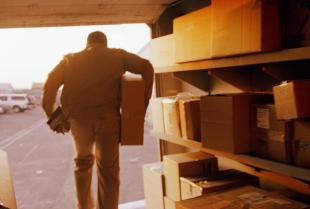 Co trzeba wiedzieć o międzynarodowych przesyłkach kurierskich?