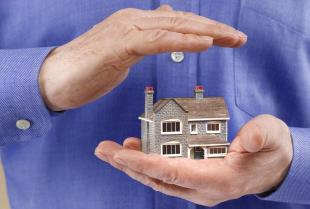 Jak korzystnie ubezpieczyć dom lub mieszkanie?