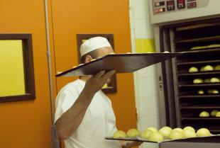 Jakie rozwiązania są stosowane w piecach piekarniczych?
