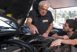 Naprawa pojazdów – jak wybrać najlepszy serwis?