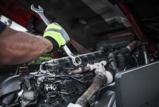 Najczęstsze usterki silnika w samochodach ciężarowych