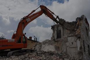 Jakie są sposoby wyburzeń budynków?