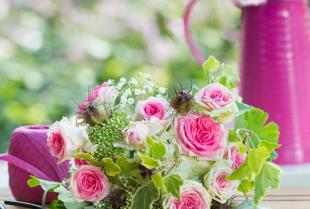 Kurs florystyczny – drzwi do kariery pachnącej kwiatami. Jak zdobyć praktyczne umiejętności?