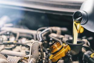 Kiedy należy wymienić olej silnikowy w samochodzie?