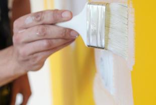 Czy warto podjąć się wykańczania wnętrz na własną rękę?