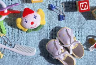 Wyprawka dla noworodka to nie tylko ubranka i pieluszki