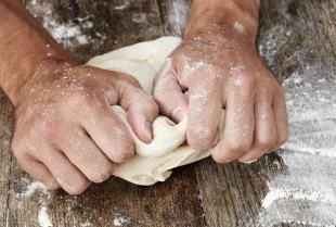 Jak przygotować zakwas do chleba?