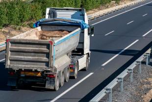 Jakie są zasady transportu kruszyw budowlanych?
