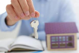 Dlaczego warto korzystać z usług pośrednika nieruchomości?