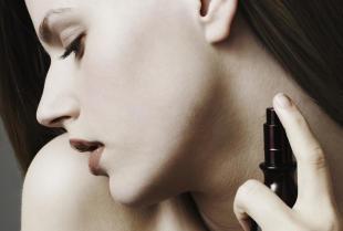 Odkryj magię feromonów dostępnych w drogeriach intymnych!