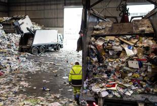 Co oferują firmy zajmujące się gospodarką odpadami?