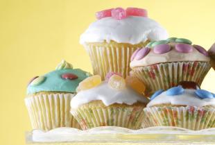 Dodatki spożywcze – niezbędny składnik słodyczy i deserów