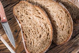 Dlaczego warto wzbogacić swoją dietę o chleb żytni?
