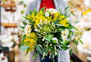 Jak prawidłowo dbać o kwiaty cięte?
