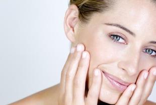 Dlaczego warto używać szczoteczki sonicznej do oczyszczania twarzy?
