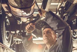 Jakie usługi oferują profesjonalne serwisy samochodów ciężarowych?