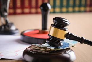 Jak uzyskać zaległą wypłatę na drodze sądowej?