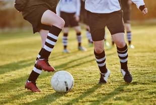 Jak wybrać odpowiednie stroje dla klubu sportowego?