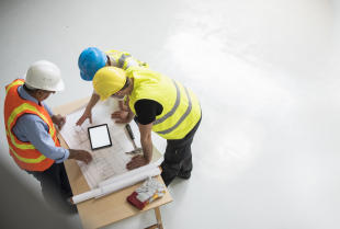 Rola nadzoru budowlanego na etapie budowy.