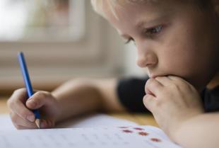 Dysgrafia – dlaczego nie należy bagatelizować objawów tej przypadłości?