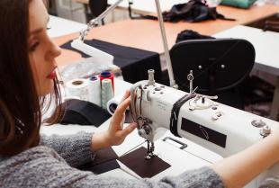 Jak stworzyć własną markę odzieżową z pomocą specjalistów?
