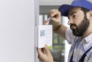 Ile kosztuje instalacja alarmu w domu?