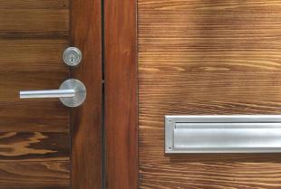 Klamki do drzwi wewnętrznych – najważniejsze parametry