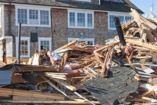 Skup drewna – co zrobić z budulcem po rozbiórce budynku?