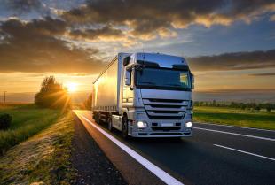 Awaria ciężarówki na autostradzie - co należy zrobić?