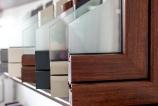 Co to znaczy ciepły montaż okien i drzwi?