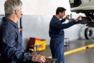 Przegląd techniczny samochodu – na czym to polega?