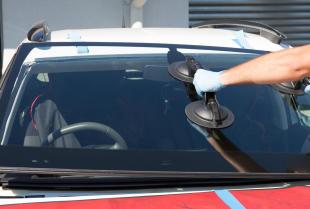Wymiana szyby w samochodzie – na czym polega?