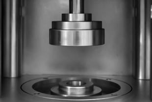 Zastosowanie pras hydraulicznych