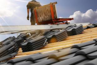 Jakie są najważniejsze rodzaje pokryć dachowych?