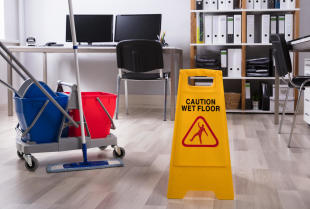Czym kierować się przy wyborze firmy sprzątającej?