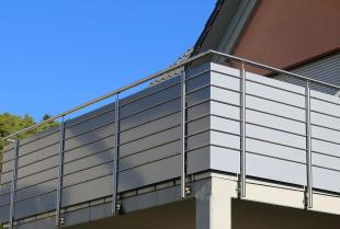 Dlaczego warto zamontować balustrady ze stali nierdzewnej?