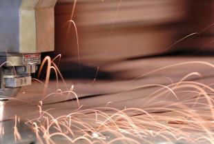 Technologia cięcia laserem.
